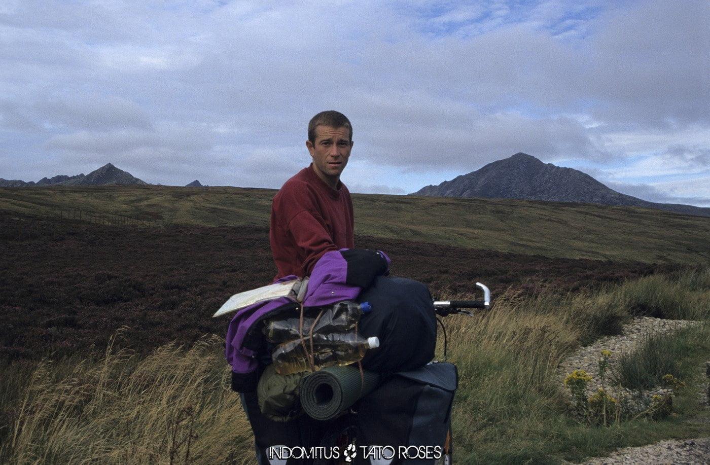 Escocia 2 580 Yo con la bici hacia Brodick Arran