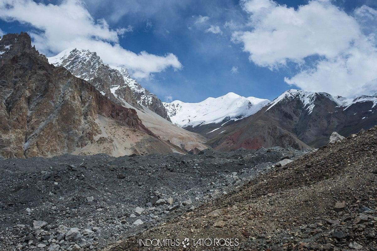 Pakistán 2 0194 Hacia camp encima glaciar Trek glaciar Kuk e Yaz