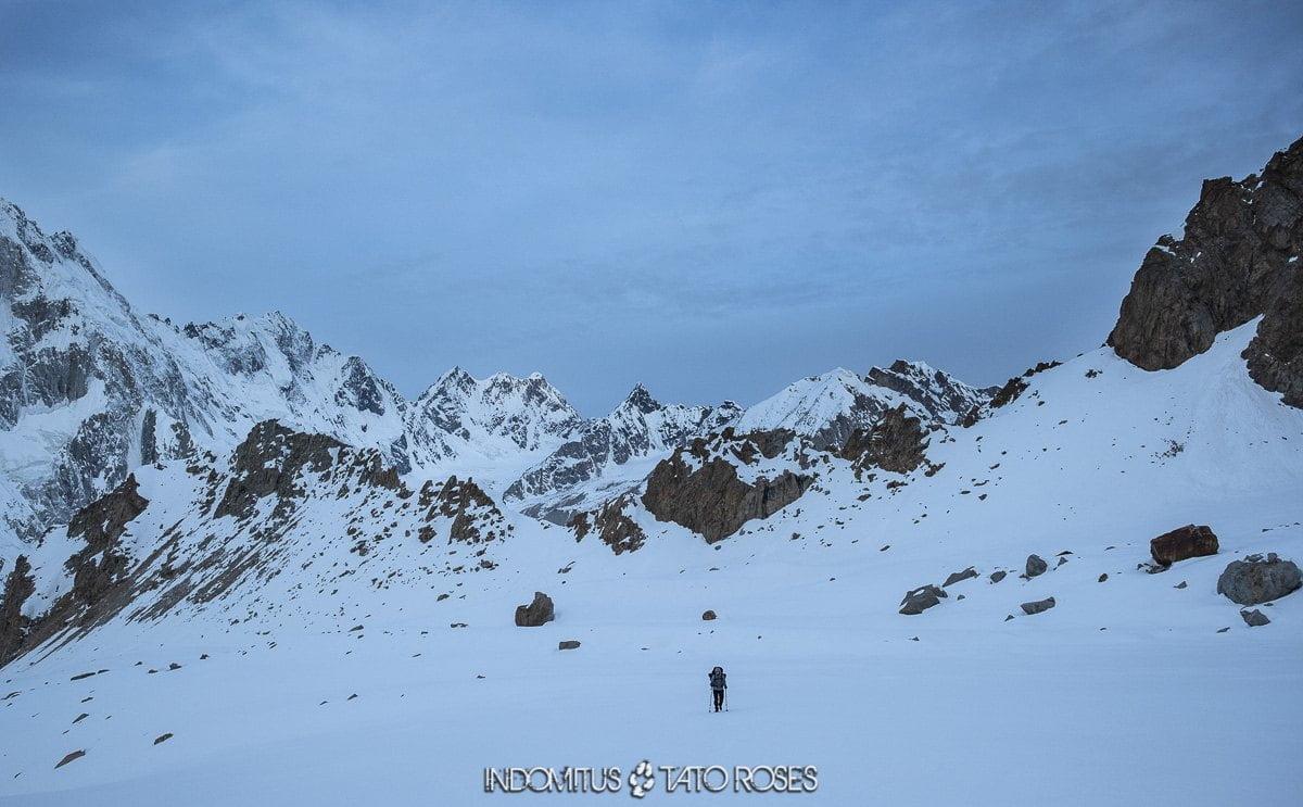 Pakistán 2 0442 HaciaYoksh Goz pass 5200m Trek glaciar Kuk e Yaz