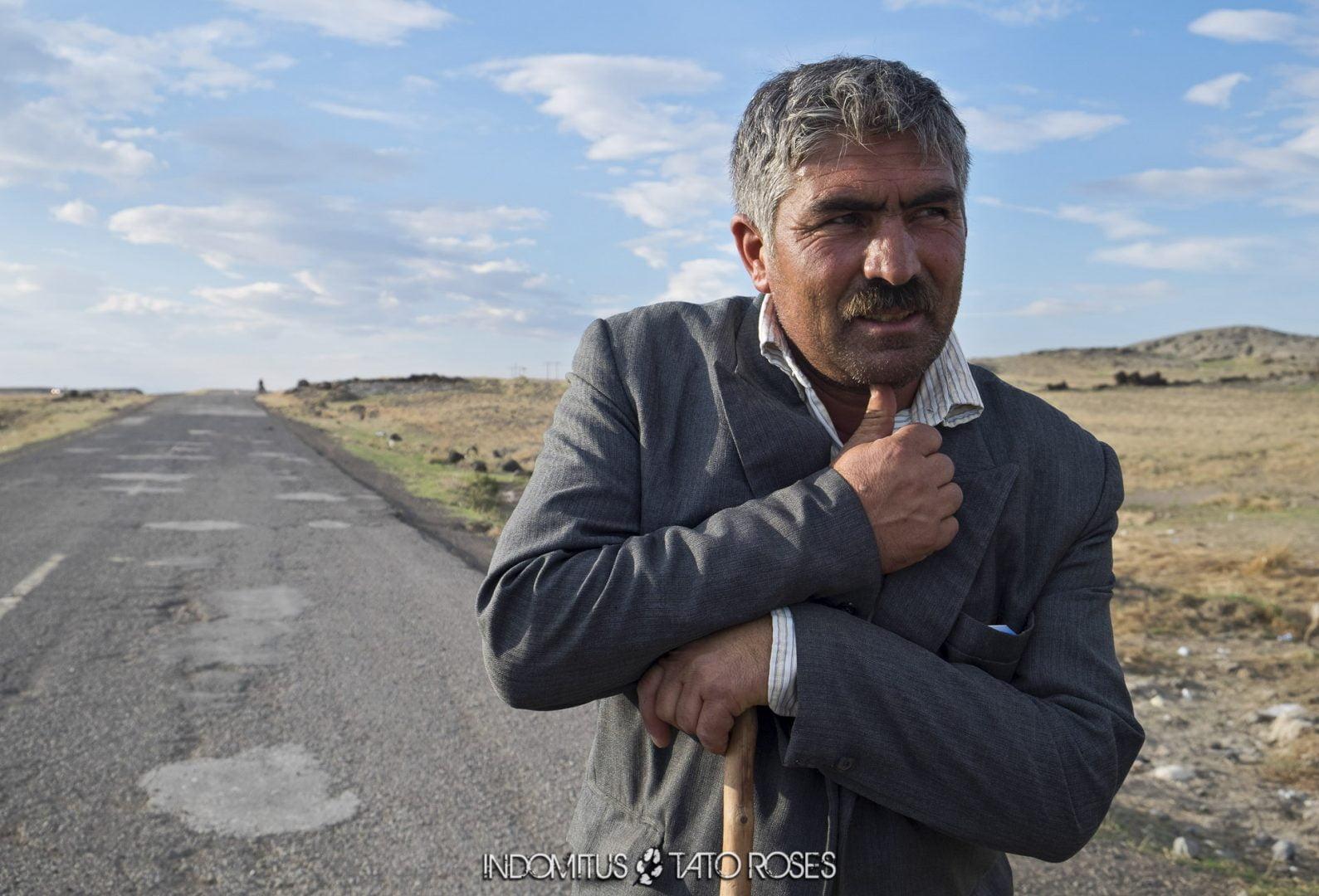 Irán 090 Pastor camino de Razi