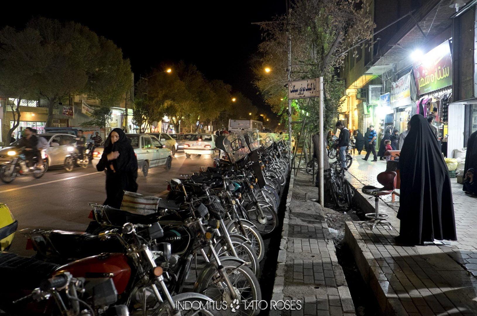 Irán 409 Una calle Kashan