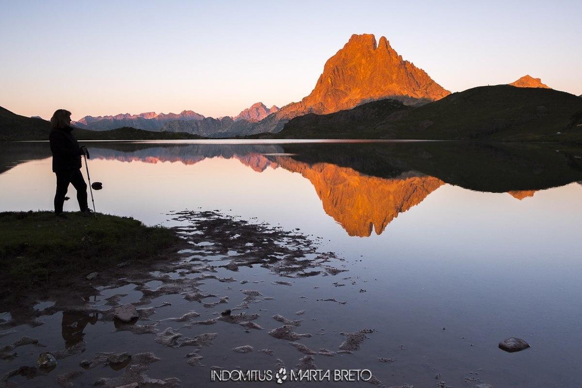 montañas y puesta de sol